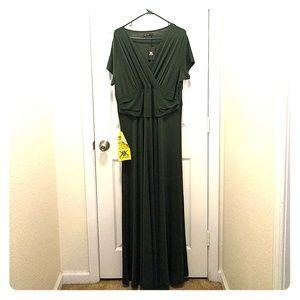 Dresses & Skirts - Flowy casual maxi dress NWT